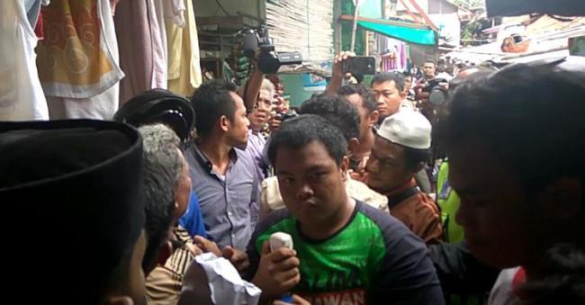Warga Pela Mampang Kesal terhadap Pendemo Djarot