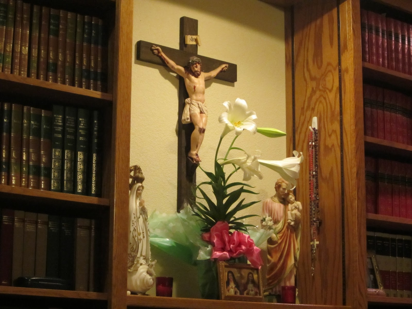 5 Important Elements of a Family Altar