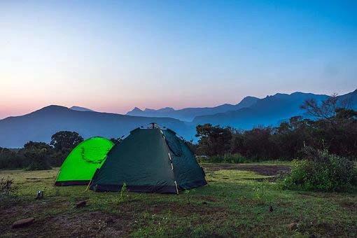 Tenda di atas Gunung Ranti Banyuwangi