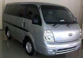Sewa Mobil Kia Travello di Pekanbaru Padang