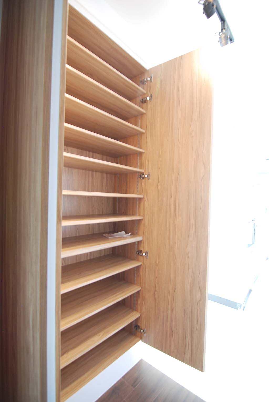 Butterpaperstudio Reno Sunshine Court Shoe Cabinet