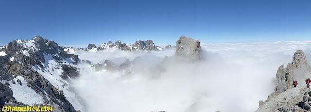 Guias de alta montaña de Picos de Europa Fernando Calvo Gonzalez UIAGM  escaladas y alpinismo en picos de europa #zamberlan #rab #lowealpine #campcassin