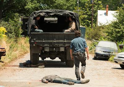 I Salvatori se ne vanno, portandosi dietro Daryl