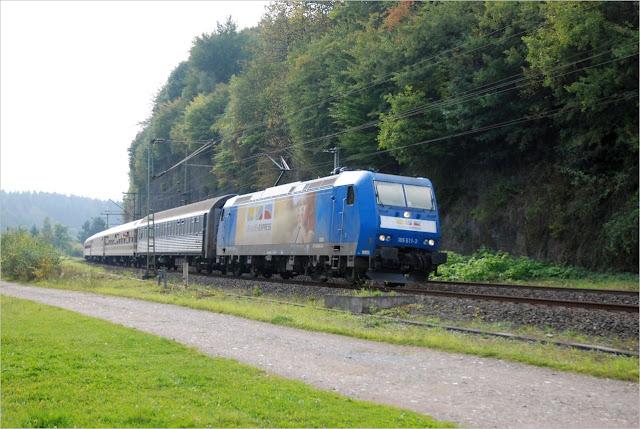 Urlaubs-Express 185 511-3