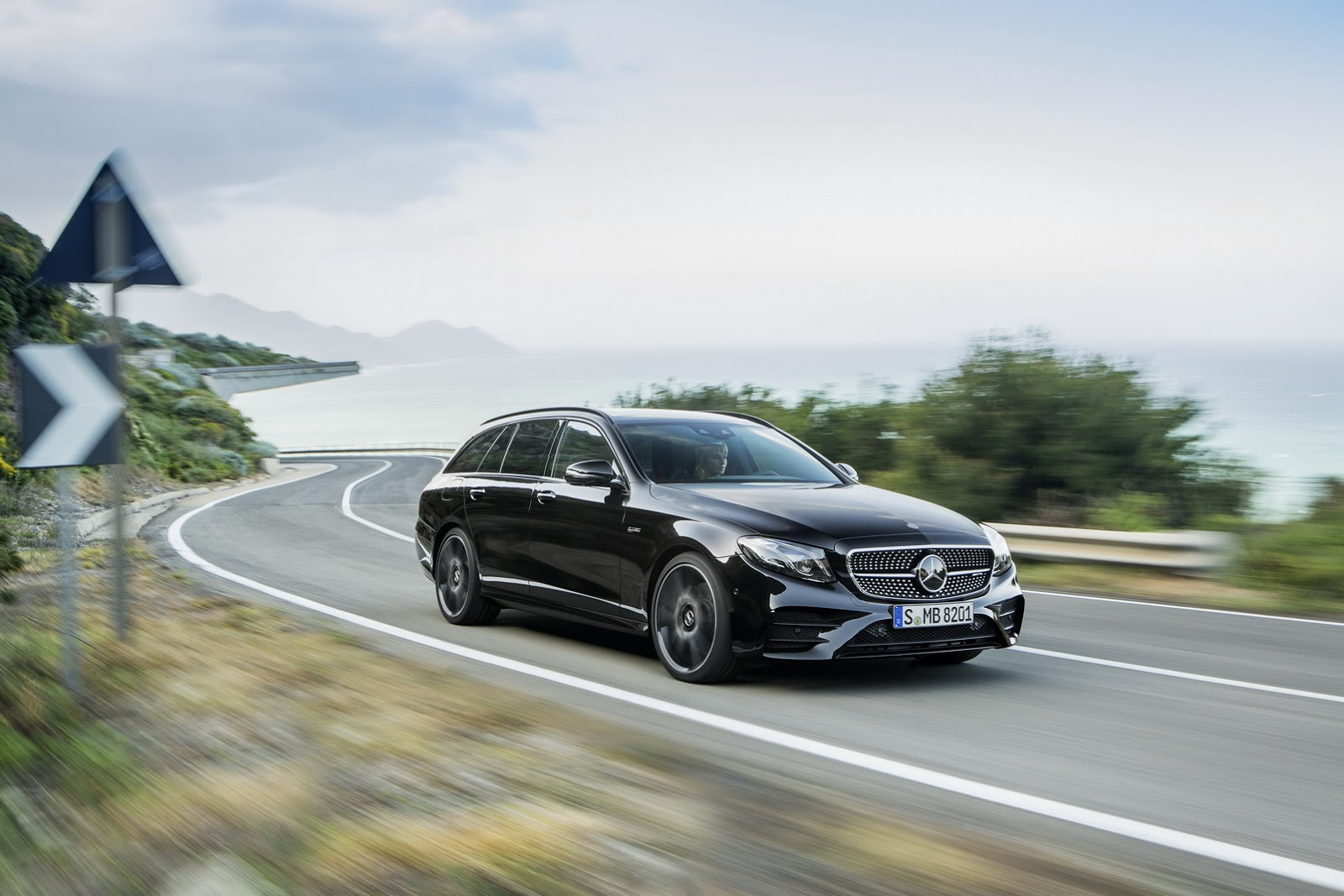 New 2017 mercedes benz e class estate unveiled gets 396hp for Mercedes benz e amg