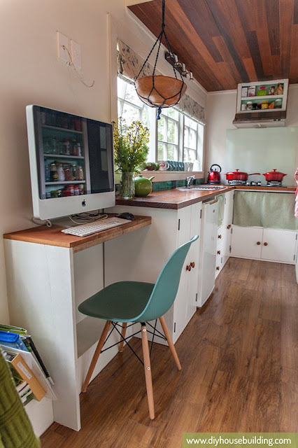 186 sq ft New Zealand Tiny House office space