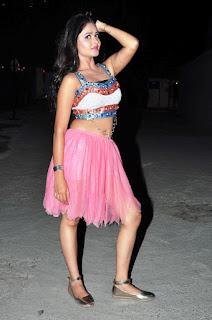 OMG Super SEXY Shreya Vyaas Upskirt Cleavages navel Slutty Horny Pics in Choli Skirt