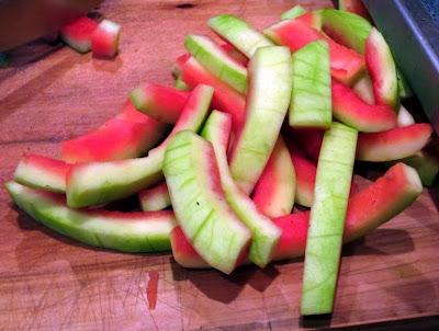 manfaat dan khasiat kulit semangka