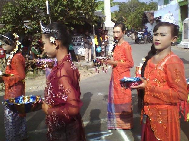 Kostum ala Bali SDN Mulyorejo karnaval singgahan
