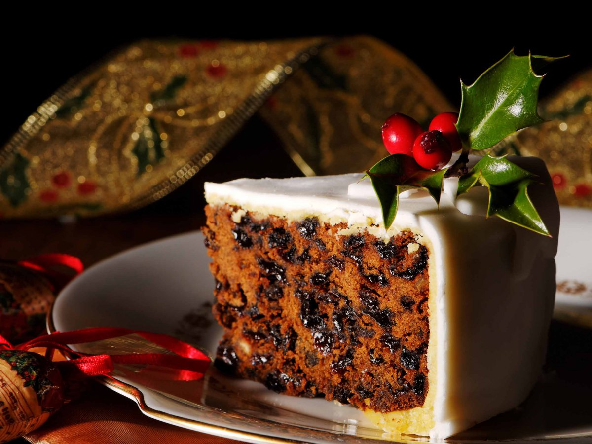 Vegan Christmas Cake: Three Fantastic Recipes