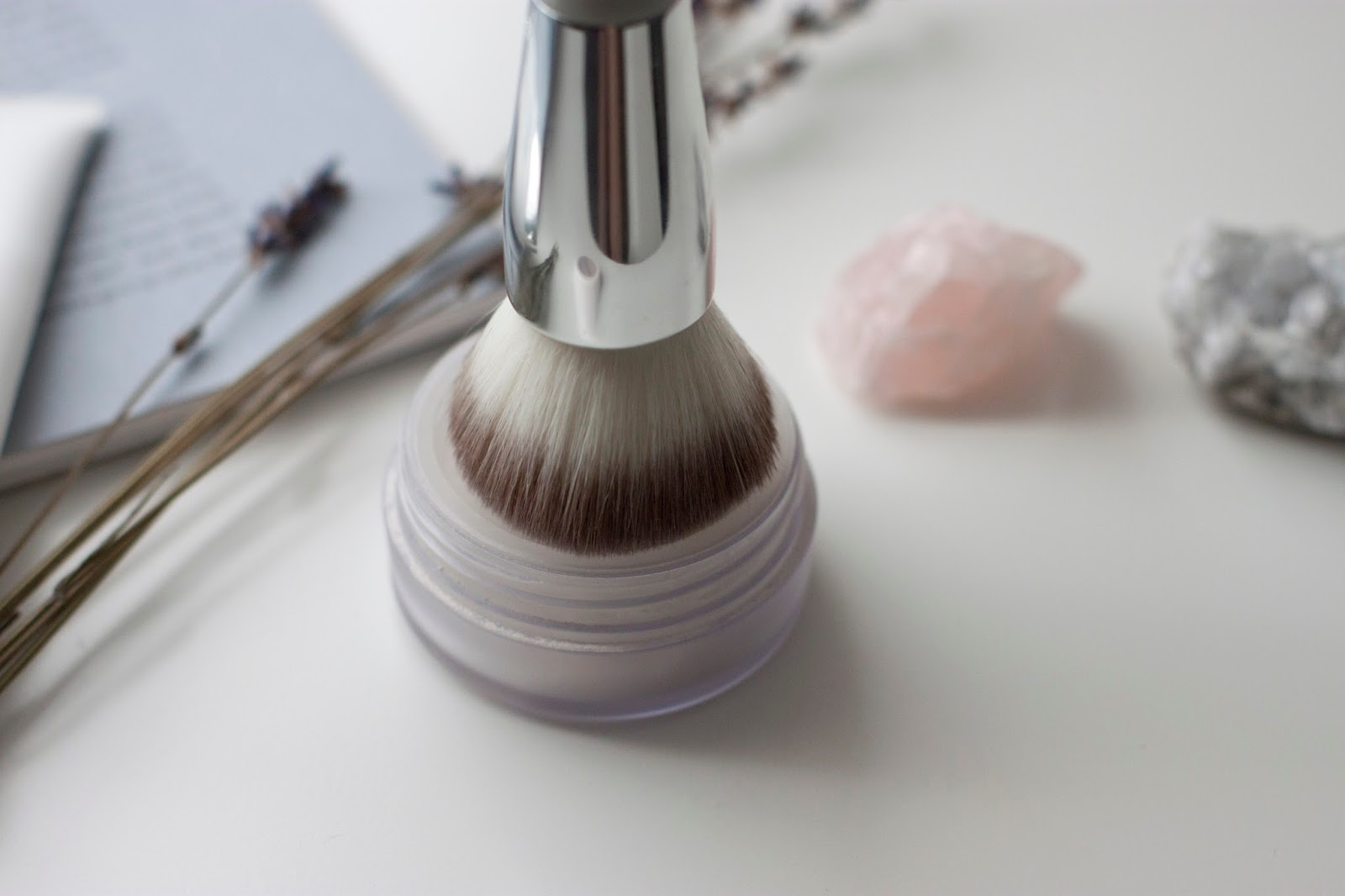 Honest Beauty Buffing Brush Review hellolindasau target jessica alba review