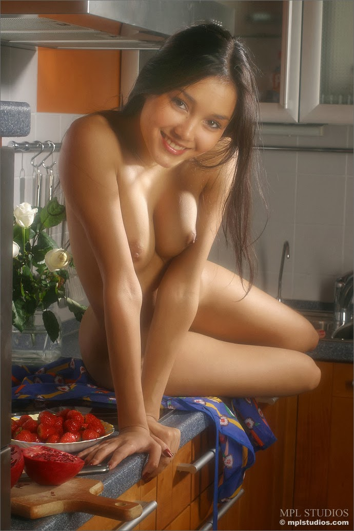 indian girls sex in kitchen