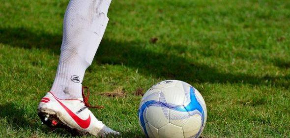 أول من اخترع كرة القدم هو؟