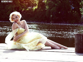 Autumn Luciano, Decadencedolls, pinup photo shoot, pinup photography, What to expect when going to your first pin up photography session,