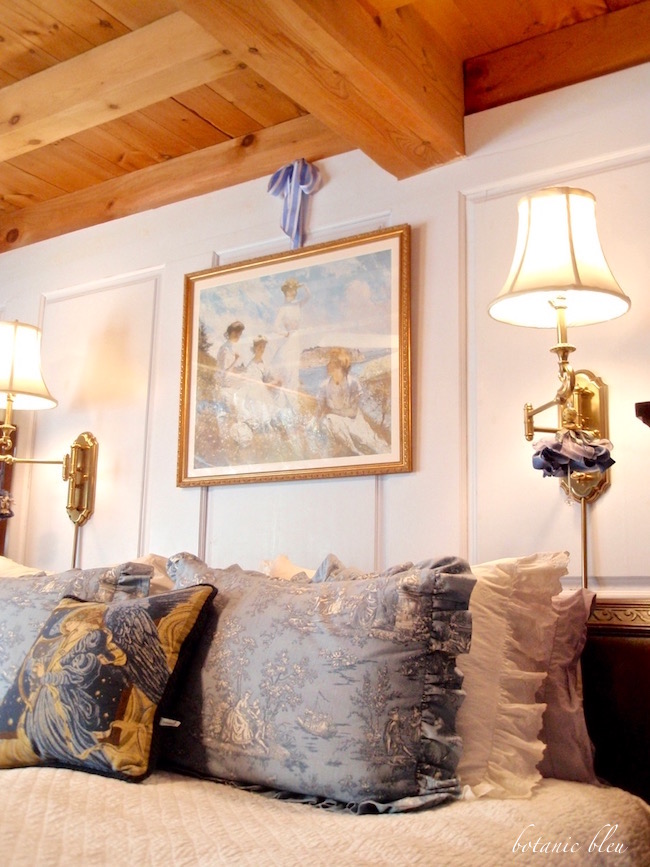 french-country-bedroom-with-blue-toile-pillows