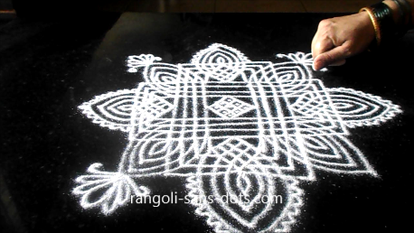 Traditional-rangoli-designs-801aj.jpg