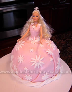 Cute Birthday Cake Wallpapers Life Barbie Doll Wallpapers Pictures Snapshot Of