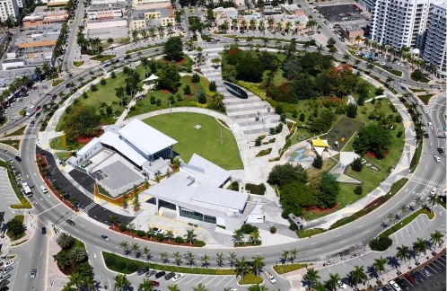Arts Park at Young Circle | Parque circular em Miami