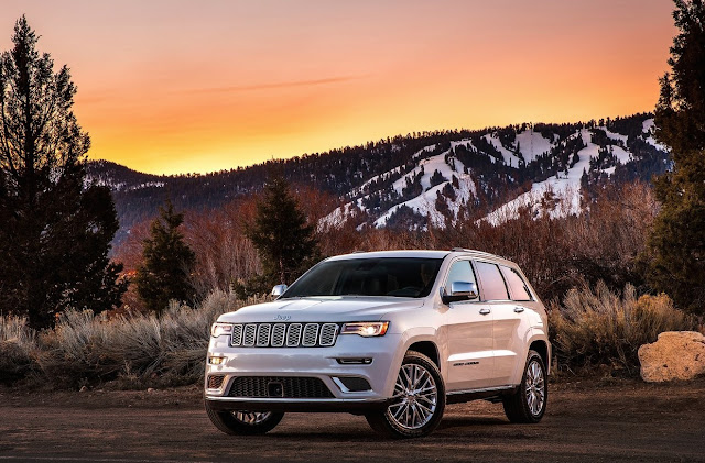 2017 Jeep Grand Cherokee Summit white