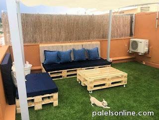 chill out de europalets y colchonetas en azul Paletsonline.com
