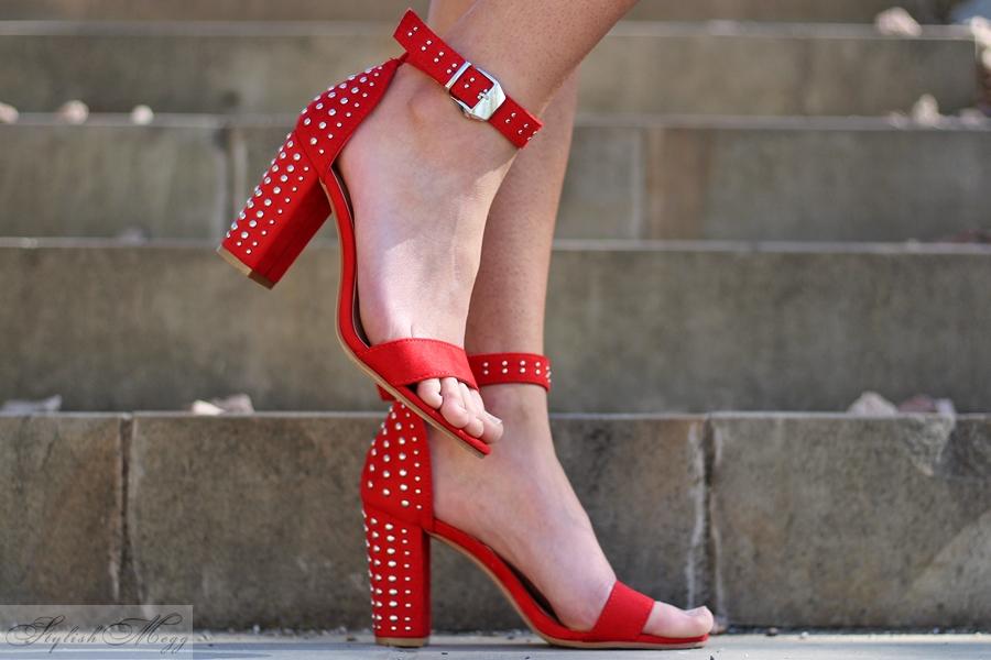 czerwone sandałki