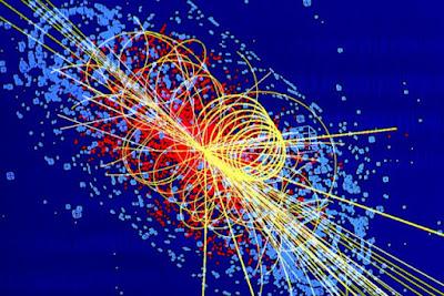 Il rilevatore di cui sopra, si chiama DrakSide-50, è verrà collocato per la precisione al centro di questa sfera metallica e riempito di argon liquido.      Gli scienziati nutrono la speranza di assistere ad una collissione tra una WIMP ed un atomo di argon, evidenziata da un'emissione luminosa.