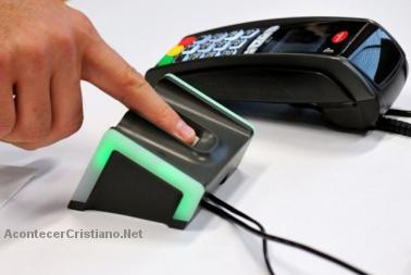 pagar y sacar dinero con la huella digital
