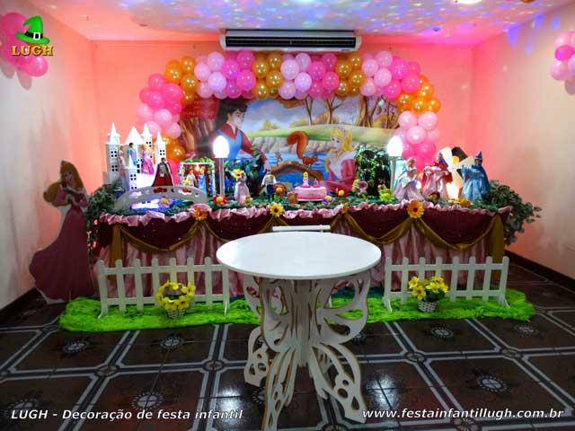 Decoração festa de aniversário infantil tema Aurora - A Bela Adormecida