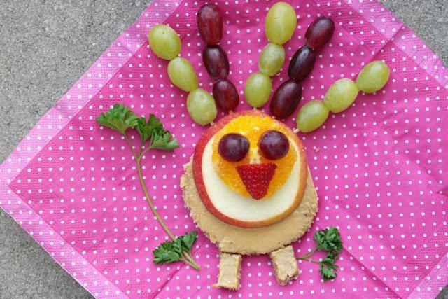 Fun Food - leckere Ideen mit Obst, Gemüse und Brot (Gastbeitrag). Leckere Snacks mit Obst, Gemüse und Brot für den kleinen Hunger der Kinder zwischendurch lecker und kreativ zubereiten, z.B. als Truthahn oder Eule!