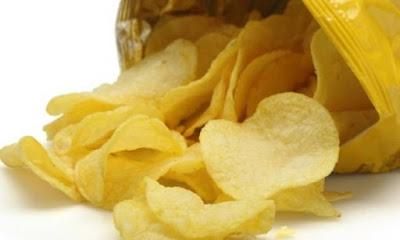 Κτηνωδία: Έφαγε το πρόσωπο της γυναίκας του γιατί... του έφαγε τα πατατάκια!