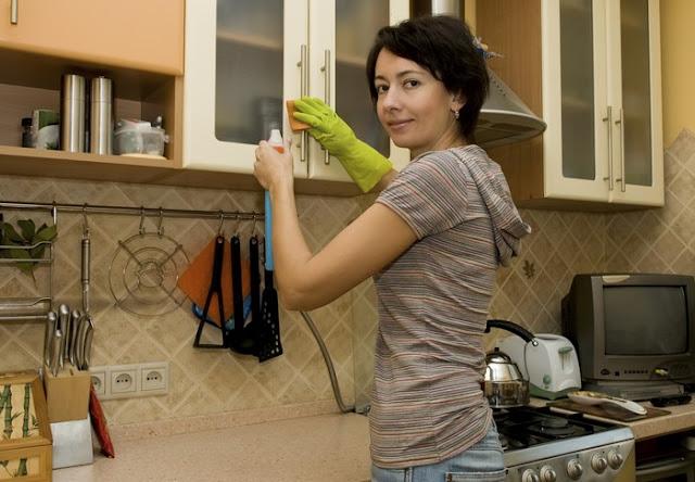 chống mối mọt cho tủ bếp gỗ