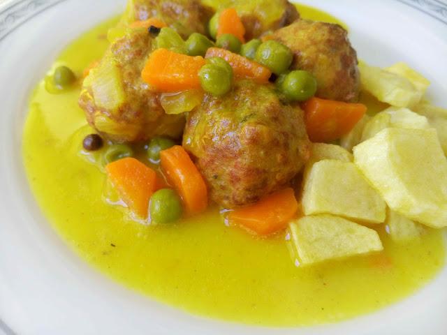 Receta fácil del albóndigas caseras en salsa