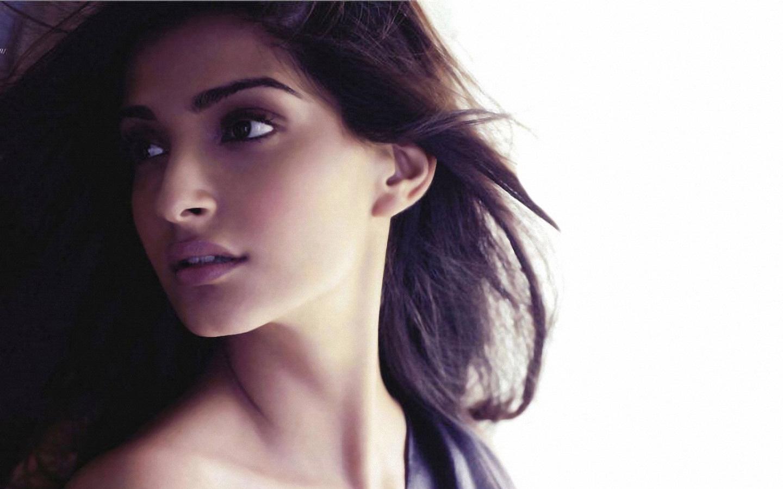 Beautiful Indian Punjabi Girls Desktop Wallpaper Sonam Kapoor Hd Wallpapers For Desktop Full Hd Wallpapers