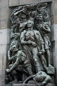 MONUMENT TO JEWISH FIGHTERS OF WARSAW GHETTO UPRISING