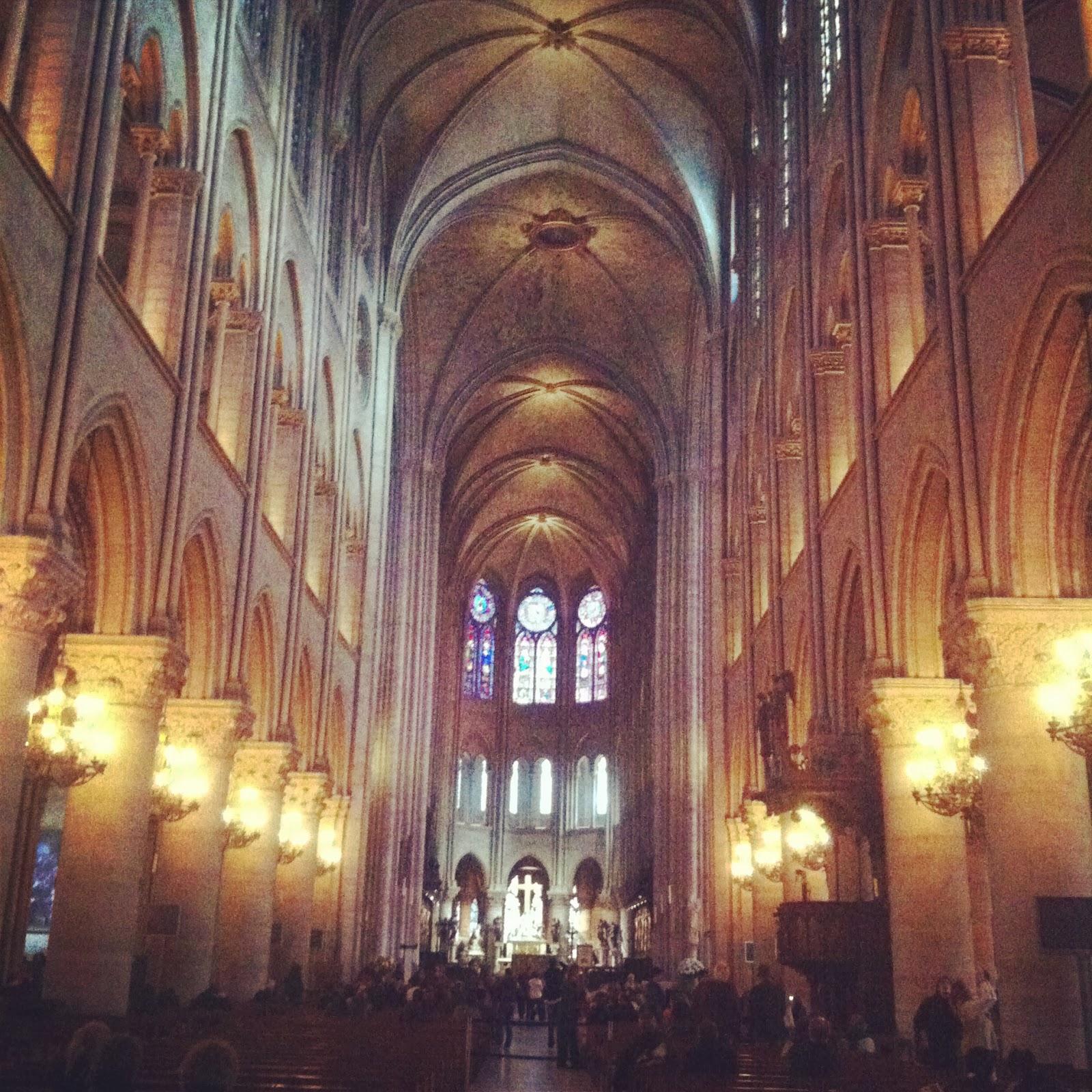 Interior de la Catedral de Notre Dame, Paris