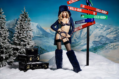 Agent Provocateur, woman, regalos de navidad, regalos, Navidad 2015, Holiday, supermodel, Liz Collins, Abbey Clancy, Suits and Shirts, lencería, ropa interior,