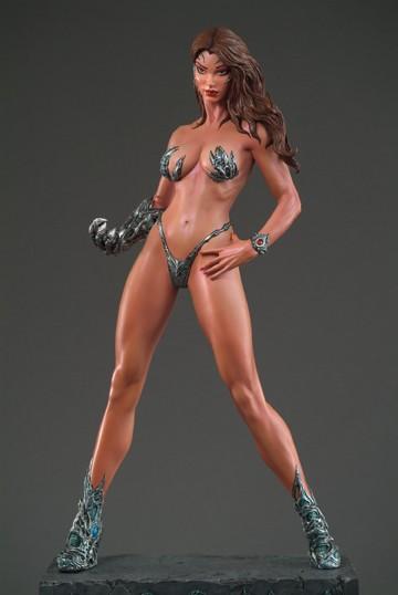 329206511e Entertainment Collectibles  Armor Bikini Witchblade 1 6th Scale Statue