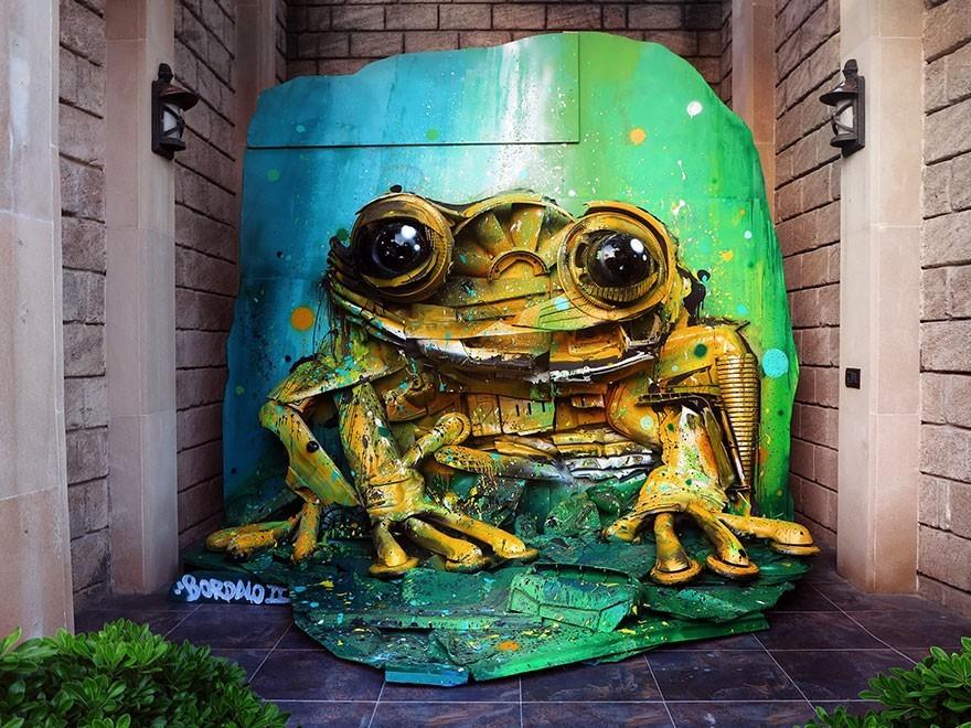 Katak Hijau - Seni Lukisan Binatang Menakjubkan Dan Kreatif Dari Bahan Sampah