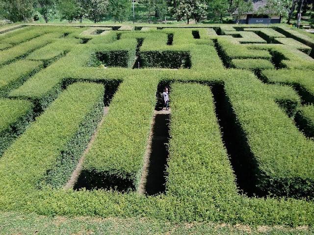 foto pemandangan labirin di batu malang