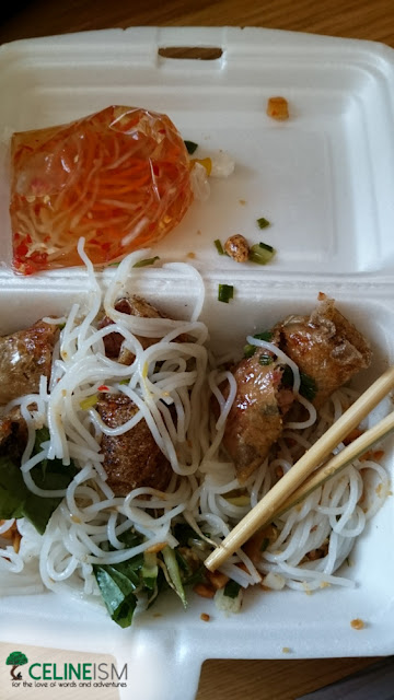 vietnamese noodles and spring rolls