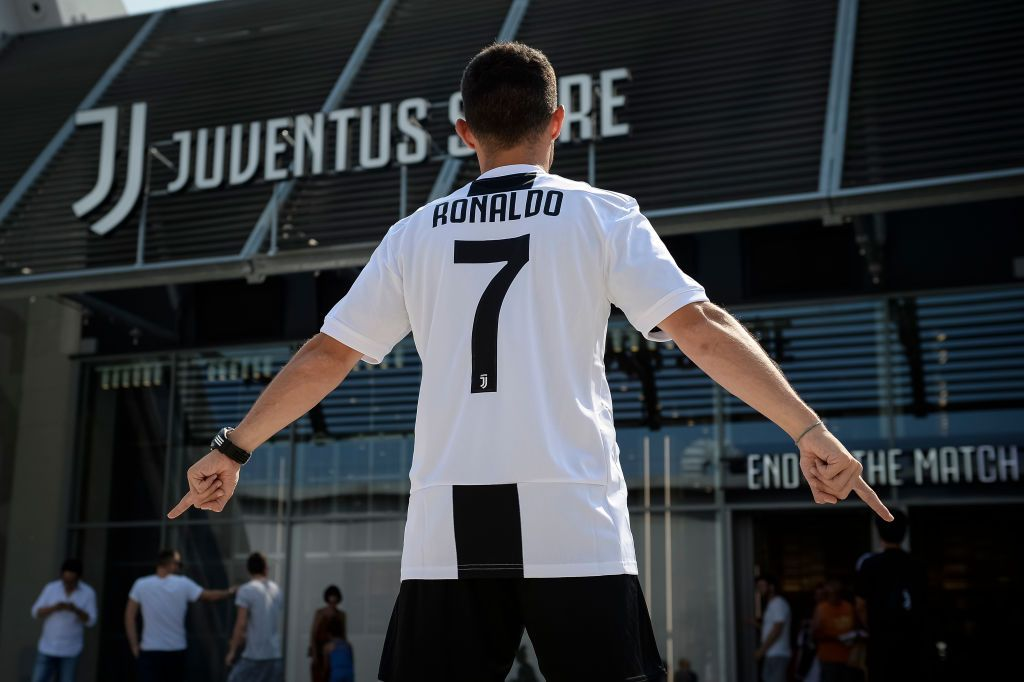 on sale 15230 e93fb Juventus Sold More Than 500,000 Ronaldo Kits In The First ...