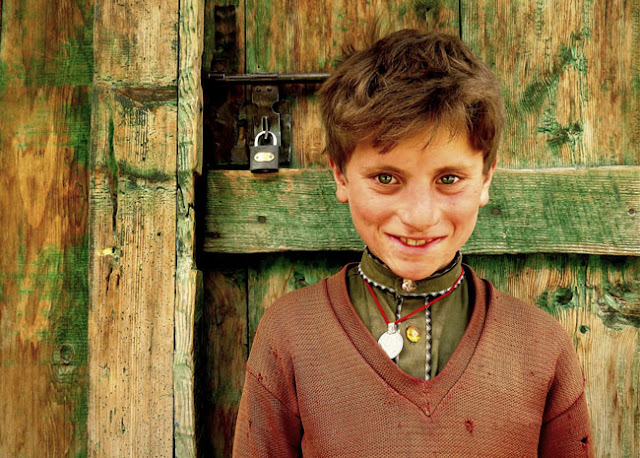 kashmir pakistan young boy