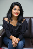 Deepthi Shetty looks super cute in off shoulder top and jeans ~  Exclusive 24.JPG