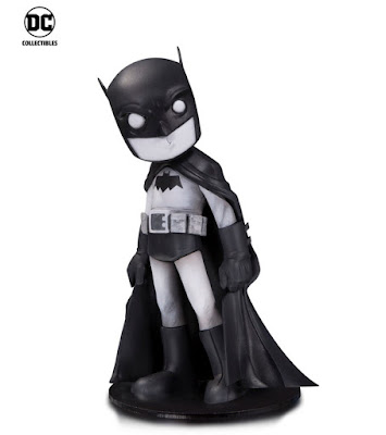 DC Comics Artists Alley Chris Uminga Black & White Variant Statues - Batman