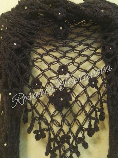 marchio famoso sconto fino al 60% qualità incredibile Le passioni di Sara: Scialle triangolare a punto strega