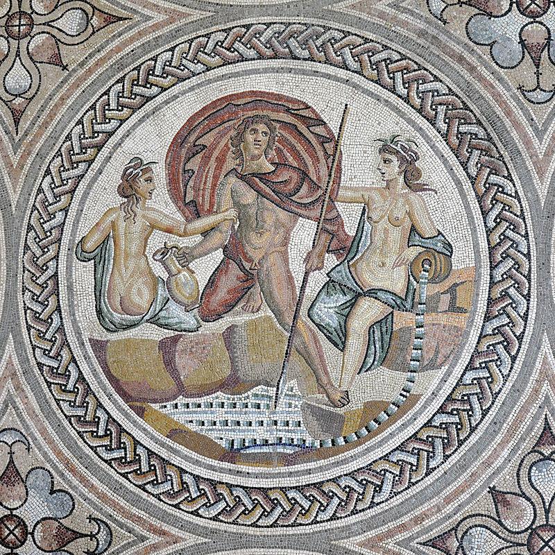 El Mosaico de Hylas ilustra el conocido mito de Hylas y las ninfas. Hylas, que era amante de Hércules, desapareció tras ir a buscar agua a una fuente