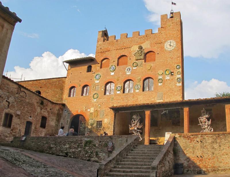 certaldo alta palazzo vicario