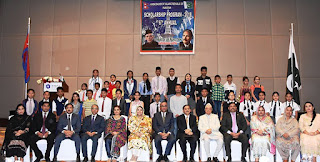Indian Embassy in Nepal Awards 200  Scholarships to Nepali Students
