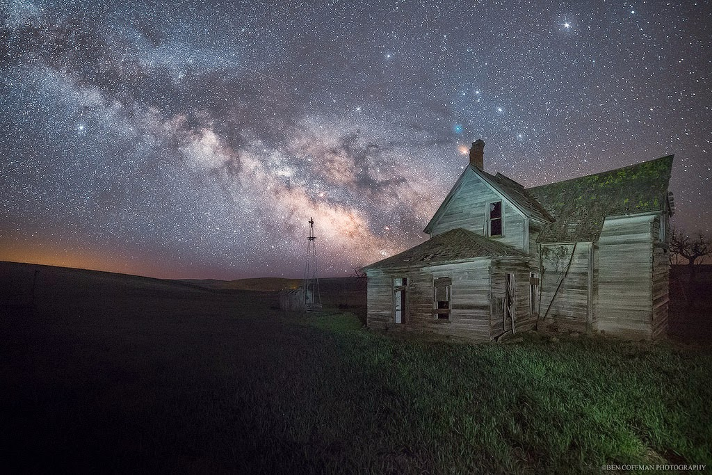 11. Abandoned House in Oregon - The World at Night with Clear Skies and No Light Pollution