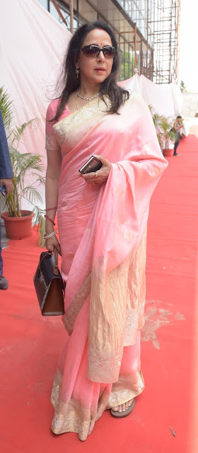 11. Hema Malini during Mahurat ceremony  of the film GENIUS